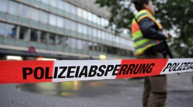 Almanya'da bıçaklı saldırı!