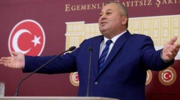 MHP'DEN İHRAÇ EDİLEN ENGİNYURT' DEMOKRAT PARTİ'YE GEÇTİ
