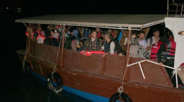 Mersin'den Kıbrıs'a Gitmek İsteyen 100 Suriyeli Sığınmacı Yakalandı