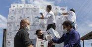 MERSİNDE''ESNAFA 15 BİN 500 GIDA KOLİ DESTEĞİ''